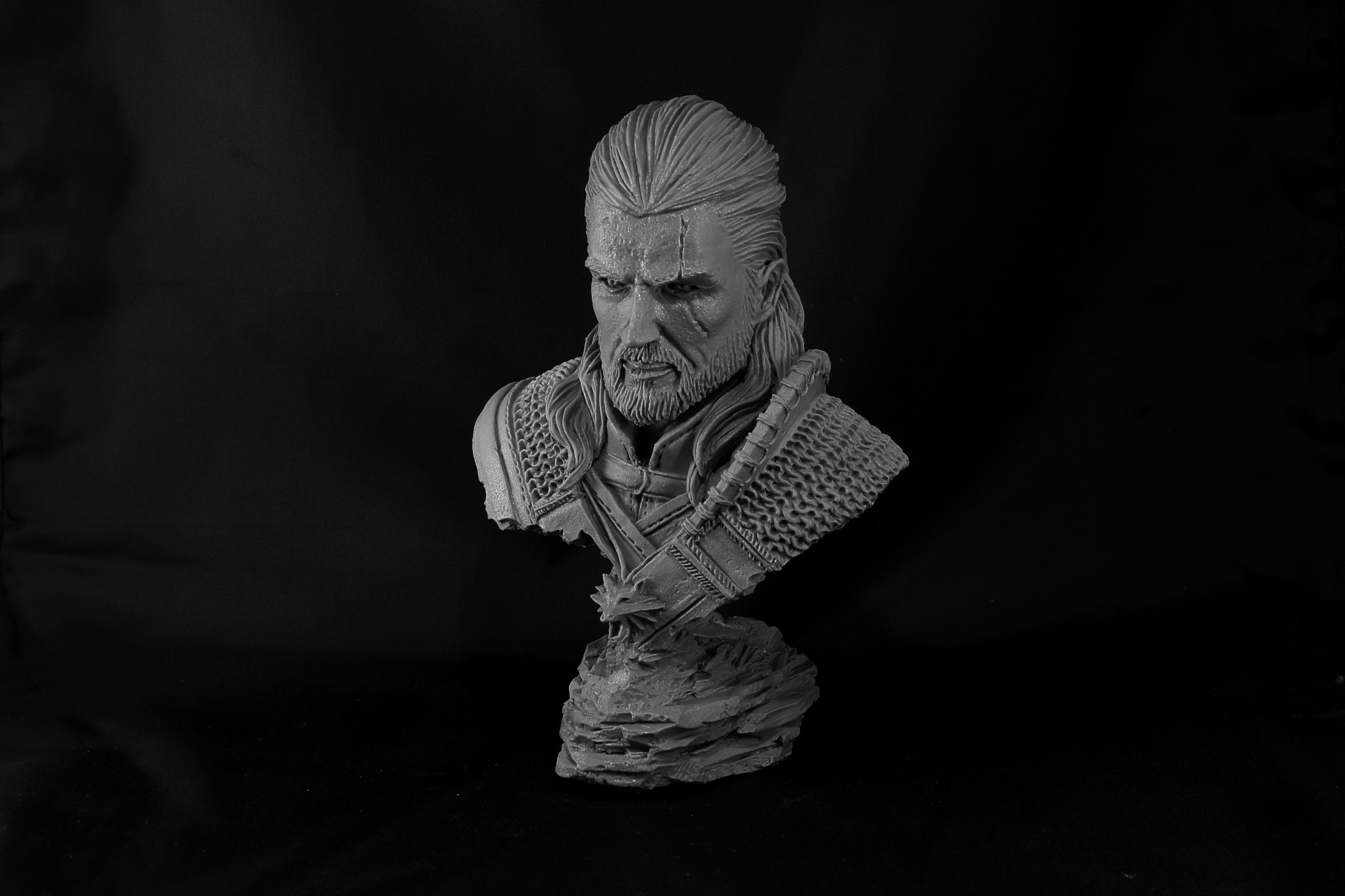 Klukva Miniatures Create Busts Of Bounty Hunters & Mages