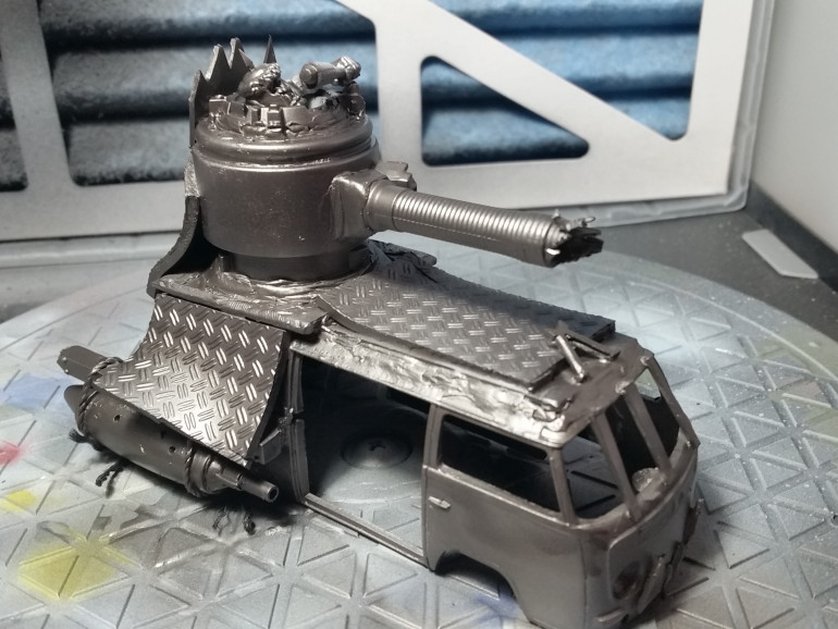Primer and metallic basecoat done on the exterior of Da Kampa Waggon.