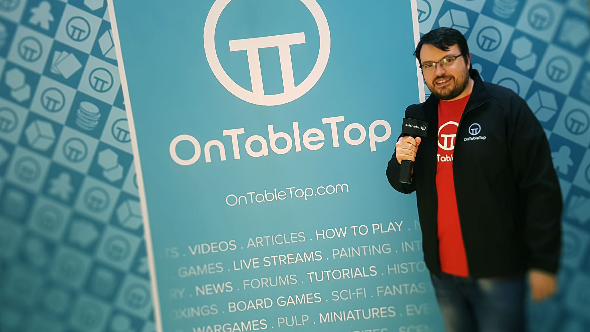 Lloyd With OnTableTop Stand