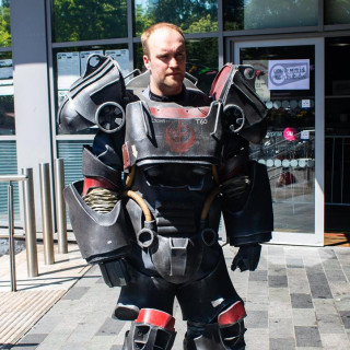 T-60 Power Armour Cosplay Fallout 4 – OnTableTop – Home of