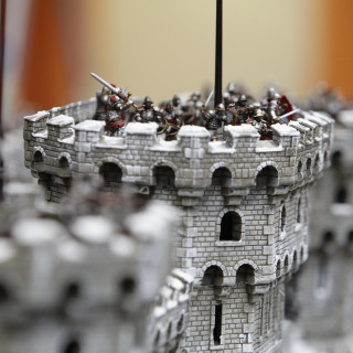 Battle Across Awesome Displays