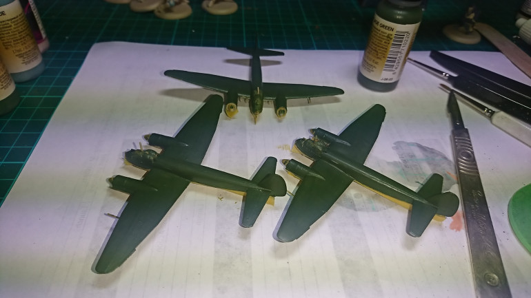 After masking a repaint of the upper side using Vallejo Model Air Camouflage Green,