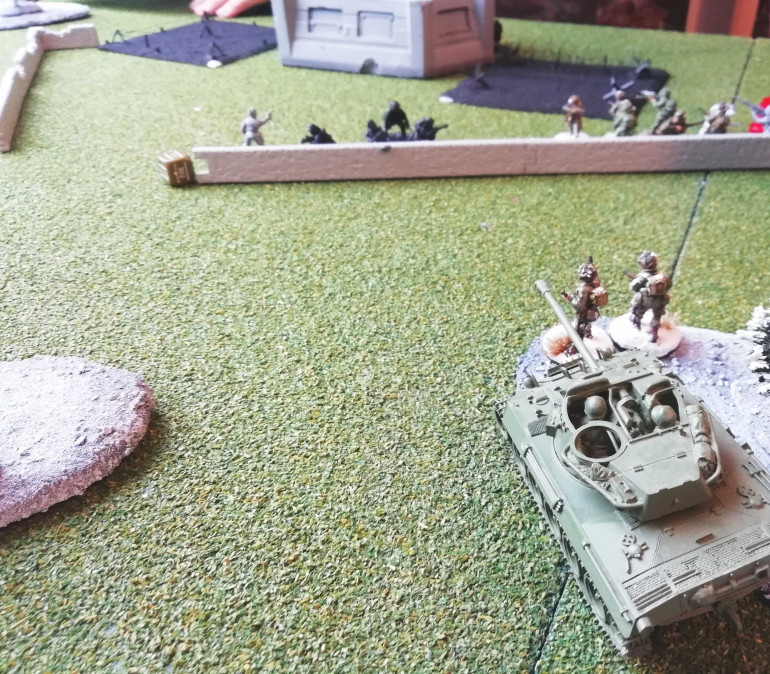 Last Germans in the trenches: the Panzerschreck tries it's luck against the Hellcat... and misses.