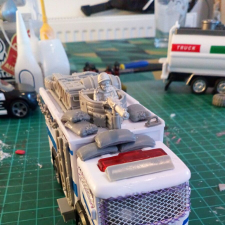 Modding diecast cars - The Mobile Command Centre