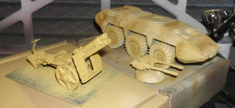 I airbrushed an artillery piece on the same time to spare time and that it lookes similar