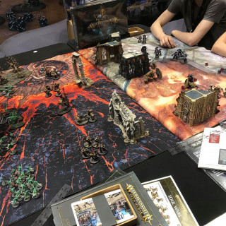 Titans Clash and Heroes Fight For Middle-Earth at Games Workshop
