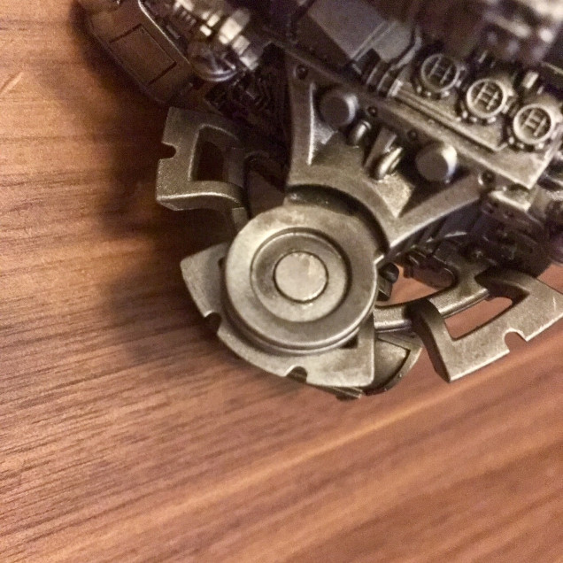 Magnet in the pre-made body magnet hole