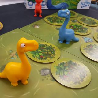 Funky Dinosaurs In Jurassic Snack!