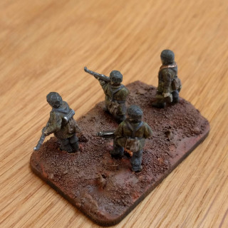 Fallschirmjager - Painting the bases