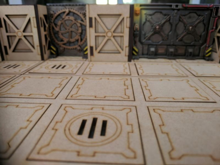 One of the scenery items provided in Necromunda: Underhive is the bulkhead doors, I wanted to make sure this scenery system worked with the scenery already provided so i needed to test the width between cubes to ensure that the doors could be inserted and removed smoothly, luckily they fit perfectly with only a small gap either side.