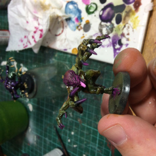 Quick and easy genestealers 2 - the airbrush method