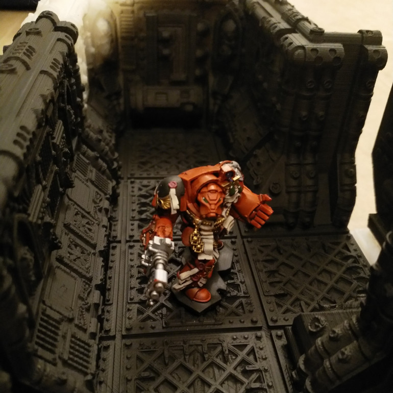 Space Hulk Heavy Flamer in corridor