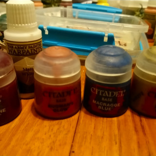 Priming, crackle basing and using shades.