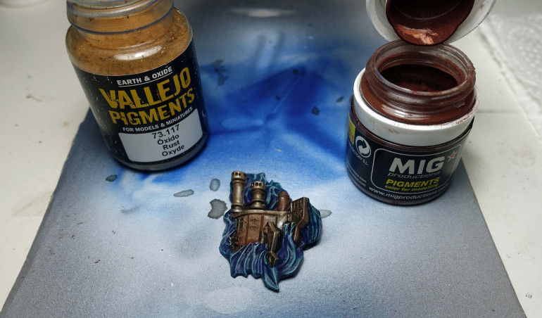 After using Vallejo Pigments Rust Oxyde and a bit more Mig Old Rust.