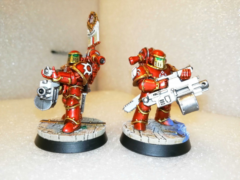 Heavy Bolter dudes (one with vexila)