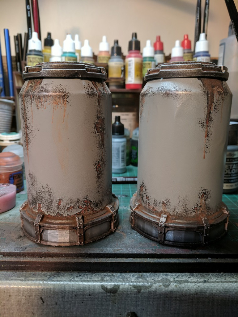 Then finally added on my rust mix and iron powder to add a it of texture and colour before finally drybrushing in silver paint.