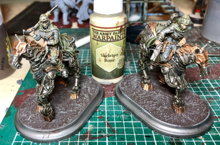 Now the Stirland mud is dry a quick skeleton bone drybrush to lighten it up