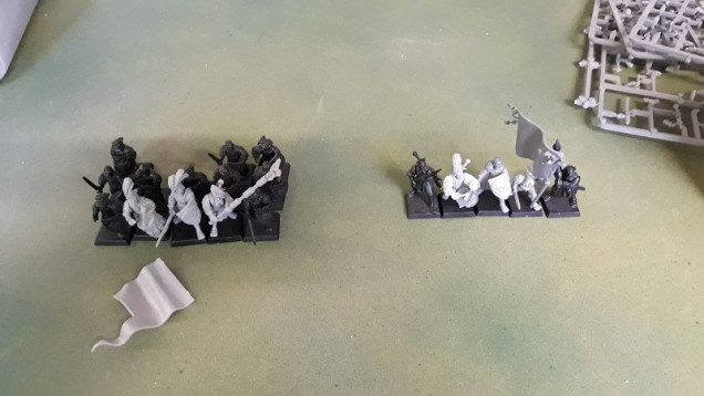 Purple Knights, Dark Elves and Floaty Boats