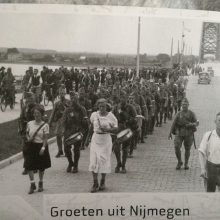 Reference Picture, Nijmegen bridge 1936, pre-war Dutch uniform