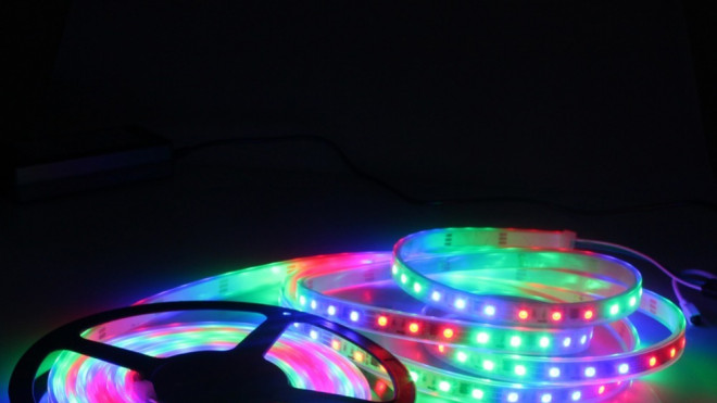 Smart controlled daisy-chain RGB LEDs