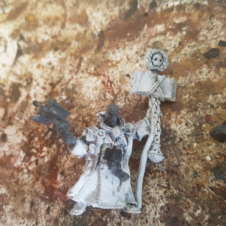 Adept Alexander Alexios, Mage, Alchemist and Quite Gullible. The Head is from Warlord Games (Formerly Wargames Factory) Skeletons, the Crossbow is from Dark Elf Corsair Reavers and the Eagle Medallion is from the Top of a Perry Miniatures French Cuirassiers