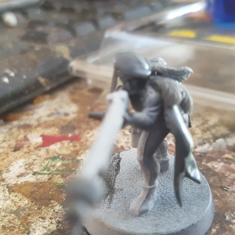 The Claok is From a Wood Elf Glade Guard, the head is From a Warlord Roman, the Hat is From a a Warlord Landsknecht as are the Feathers. The Bullet Being Fired is from Warlord Games Pike and Shotte Infantry Pikemen, it was a Last Minute Addition.