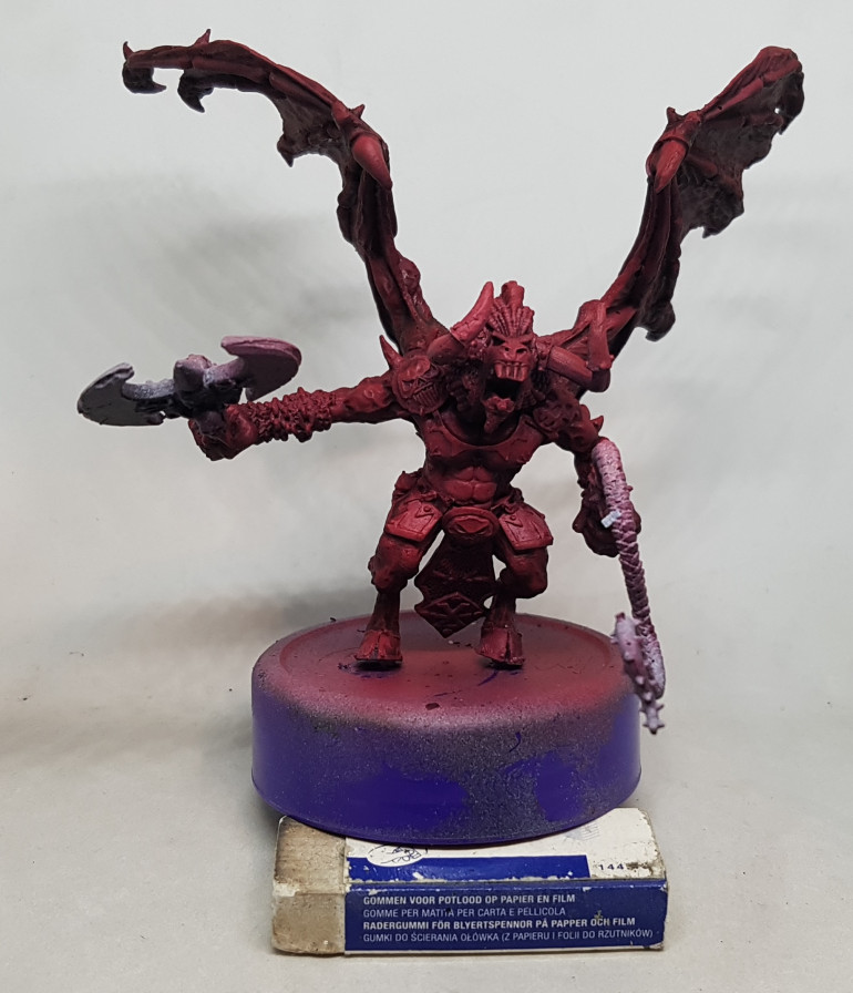 After it had had a few hours to dry, the model was given a wash of GW Carroburg Crimson