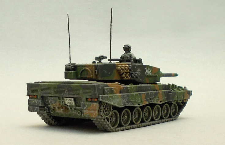 Leopard Tank #2 by fourtytwo