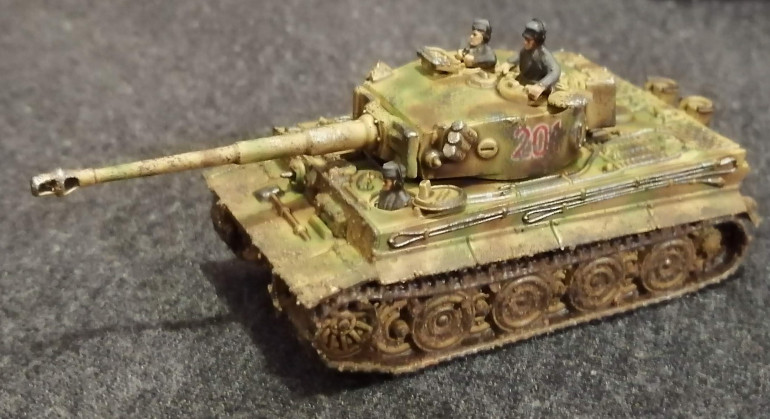 Here's the platoon command Tiger. As usual, the platoon command drives around constantly unbuttoned