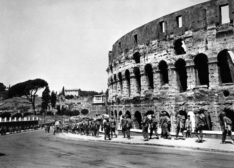 US Forces at the famous Colosseum