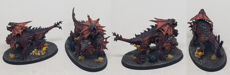 26/8/19: 16:20: I lost yesterday afternoon to Space Hulk, but I've finished the Hounds and the Bloodchargers.  Here is Karank, The Hound of Vengeance