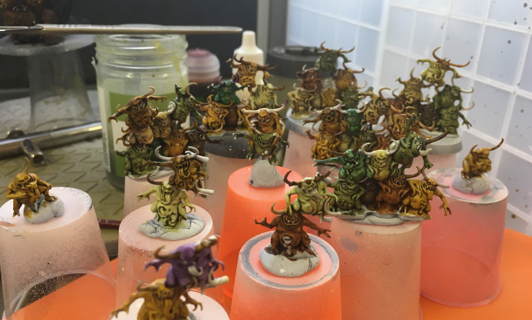 Some progress on the other Nurglings, they all seem to be getting some action.