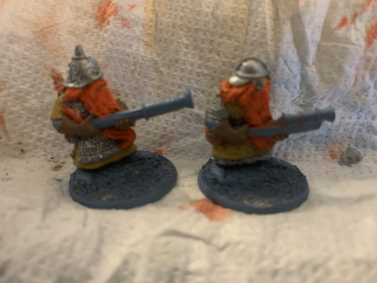 A pair of Dwarven handgunners, in gloves!