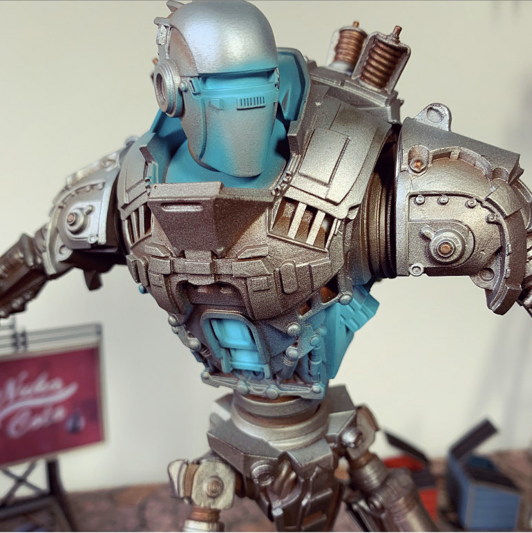 If You Can't Eat it, Beat it! More views of Liberty Prime