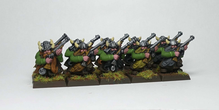 My very first painted dwarfs!