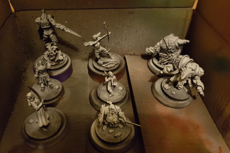 Tray 2 of primed minis