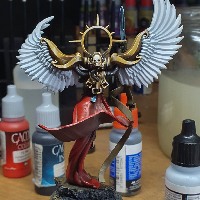 The Wings were painted in wolf grey then brought up wo white as a highlight. I wanted these to be very stark.