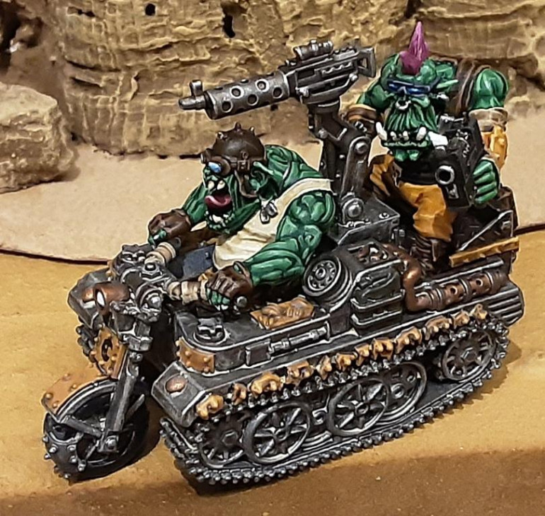 The gunner Maknok can be mounted and dismounted