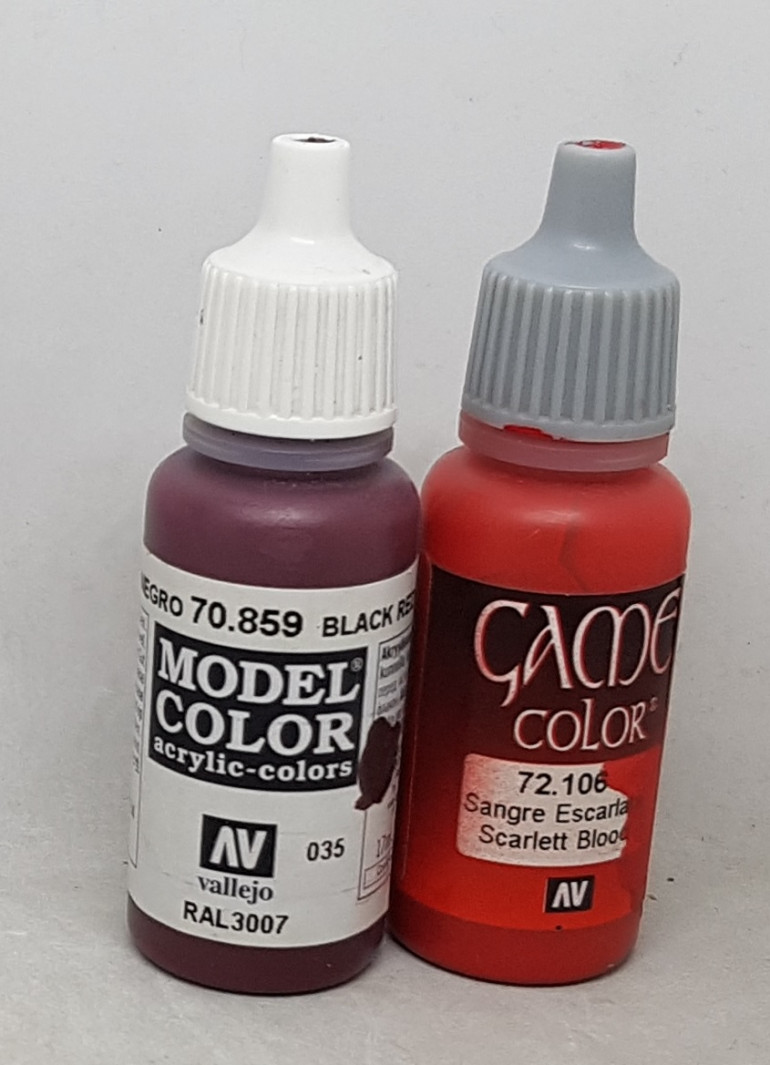 The two paints used on the insignia