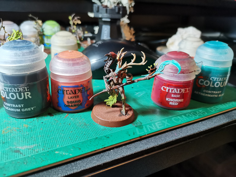 Final Step is Aethermatic Blue for the eyes, mouth and the swirls on the forehead. The weapon blade I'd recommend a thin layer of Aethermatic Blue I let my coat dry too thickly, I fixed this but I'm not a hundred percent happy. While painting the bugs carapace I had Khorne Red left on my palette which i though was a waste so i painted a thin layer around the mouth and nose stopping below the swirls which gave a nice war paint effect, with a hint of skin showing beneath.