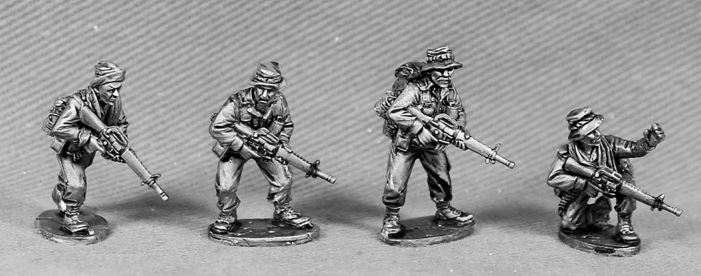 -5ec7846a6b822--5ec7846a6b823Officers, NCO And Scouts With M16 - Empress Miniatures.jpg