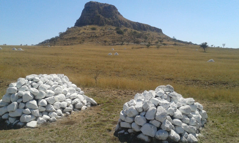 I was looking at some images I took at the battle sites for my rebasing. I find the Zulus war difficult to base. It's not a desert and its not all green. Someone needs to do a dry grass mat. It is a greener landscape than I thought but its not a desert either.