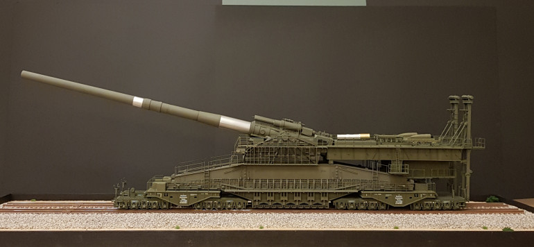 1/144 The Schwerer Gustav Railway Gun