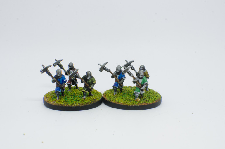 Foot Knights, with two handed weapons