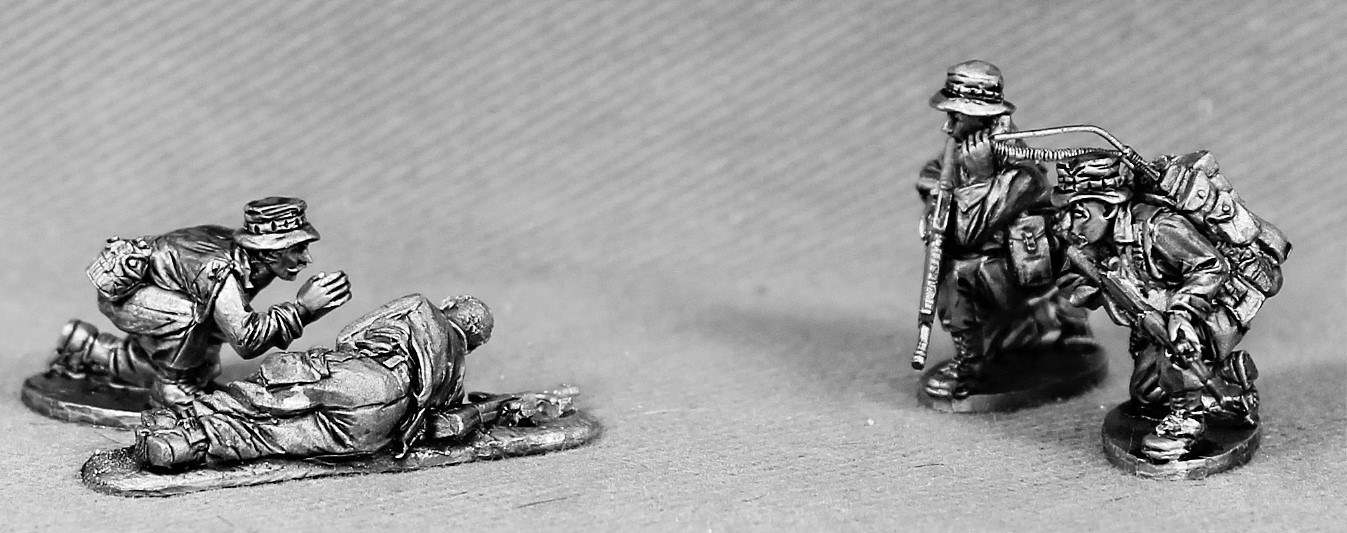 Command With RTO And Medic With Casualty - Empress Miniatures