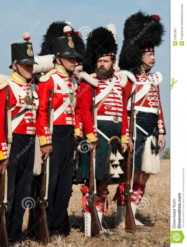 Photos of reenactors this time, but it does show us the difference and similarities between the highland regiments and the other regiments of foot, but also an important difference among the two highlanders.