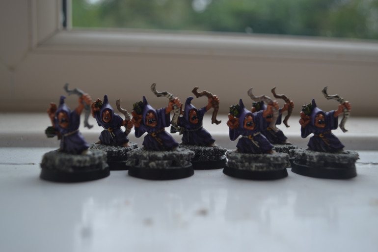 I have rather a lot of Goblins kicking about, painted this bunch a couple at a time but any more at once and I'd be pulling my hair out, with that in mind I fear it may take me an age to finish all that I own.