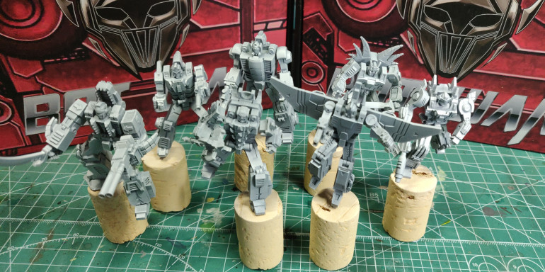 Lateral priming with white over the grey creates natural shadows and highlights