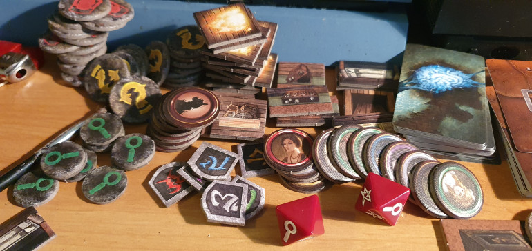 as with any FFG product you get a small mountain of tokens