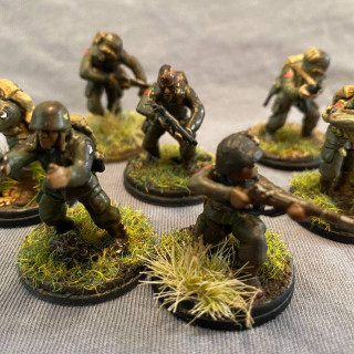 First US Airborne squads complete..